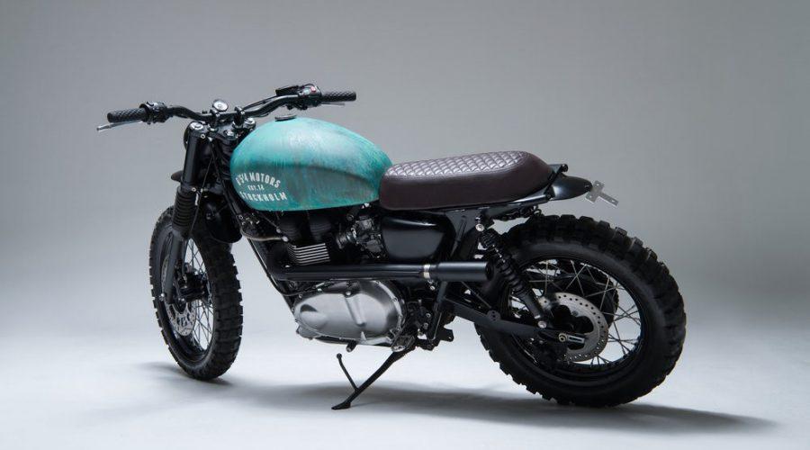 green scrambler motorcycle - 6/5/4 custom triumph Bonneville 10 scrambler 3/4 view