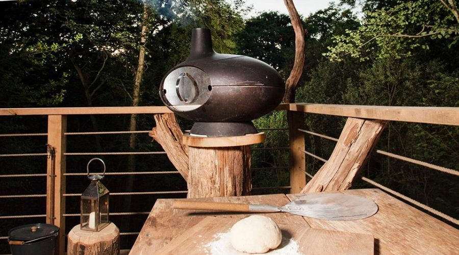 tree house uk wood fire pizza oven Ultimate Woodsman's Treehouse Dorset