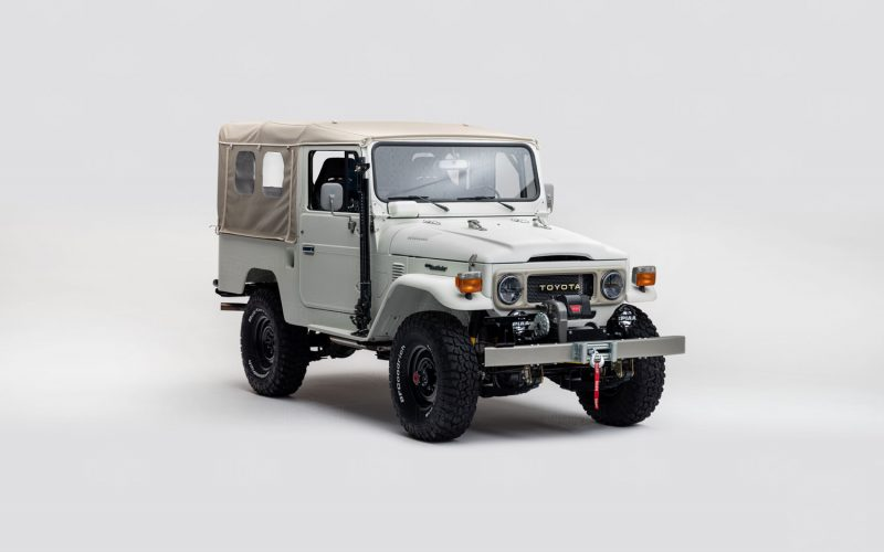 The Toyota FJ Land Cruiser 'Aspen Project' White classic 4x4 truck front 3/4 view