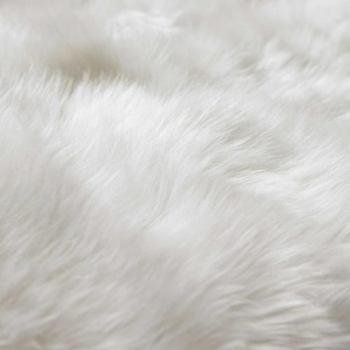 Sheepskin rug in ivory 110 x 180cm