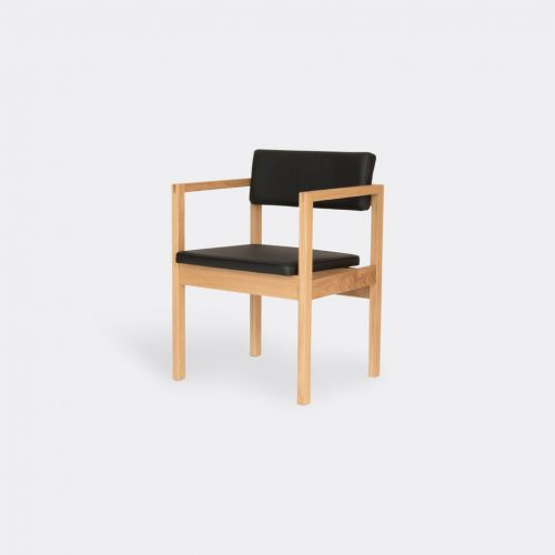 Case Furniture Furniture - 'West Street' armchair, oak in Oak Oak/Leather