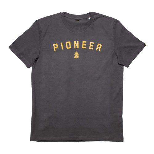 Mens &SONS Pioneer & Sons T-Shirt in Charcoal
