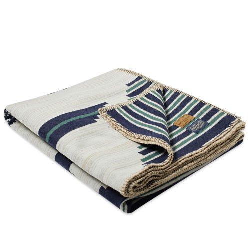Mens Pendleton Preservation Series Blanket in Navy & Emerald