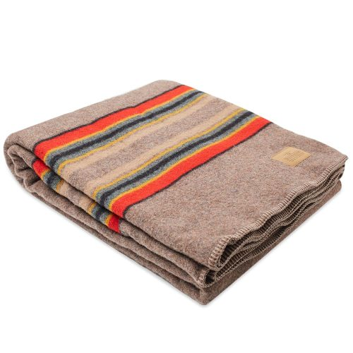 Mens Pendleton Yakima Twin Wool Blanket with Carrier in Mineral Umberwith Carrier