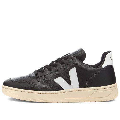 Mens Veja V-10 Vegan Sneakers in Black