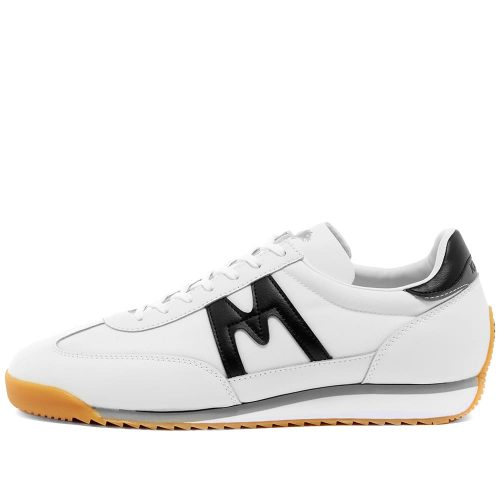 Mens Karhu ChampionAir Sneakers in White & Black